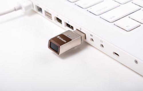 Verbatim FingerPrint Secure - Memoria USB 3.0 con lettore di impronte digitali e crittografia dei dati - 32 GB - Marrone/Argento - 5