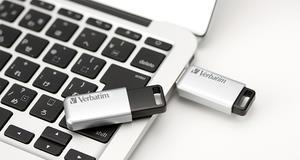 Verbatim Secure Pro - Memoria USB 3.0 da 64 GB - Argento - 2