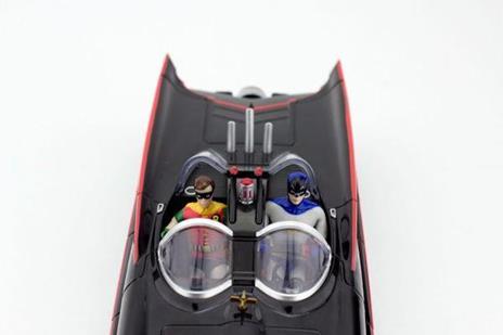 Dc Comics: 1966 Batmobile With Batman & Robin Mini Bendable Figures - 3