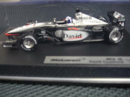 Mattel Mclaren F1 Coulthard 2001 1/43 Mat50210