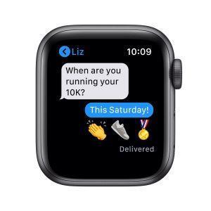 Apple Watch SE GPS, 40mm in alluminio grigio siderale con cinturino Sport Nero - 3
