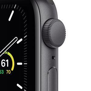 Apple Watch SE GPS, 40mm in alluminio grigio siderale con cinturino Sport Nero - 7