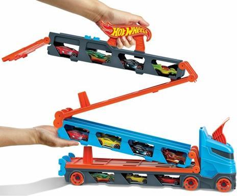Hot Wheels 2in1 Camion Trasportatore e Pista con 3 Macchinine,Giocattolo per Bambini 4+Anni. Mattel (GVG37) - 7
