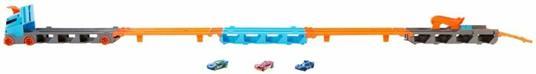Hot Wheels 2in1 Camion Trasportatore e Pista con 3 Macchinine,Giocattolo per Bambini 4+Anni. Mattel (GVG37) - 8