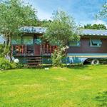 SMARTBOX - Glamping in Toscana per tutta la famiglia: 1 notte in un romantico caravan in Versilia - Cofanetto regalo