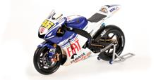 Yamaha YZR-M1 Valentino Rossi Wet/Dirty Version 2008 Winner Indianapolis 1:12 Model 122083146