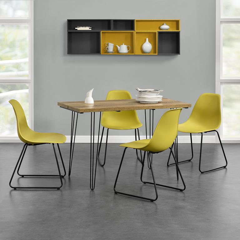 Tavolo Da Cucina Con 4 Sedie.Tavolo Da Pranzo Design Per 4 Persone Effetto Legno Con 4 Sedie