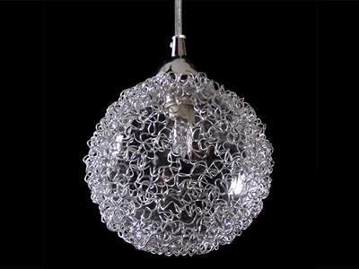 Plafoniera a forma di palla in filo metallico d´alluminio lampada