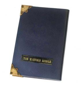 Noble Collection. Horcrux Diario di Tom Riddle. Harry Potter NN7263