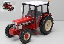 International IH 733 Trattore Tractor 1:32 Model REPLI184