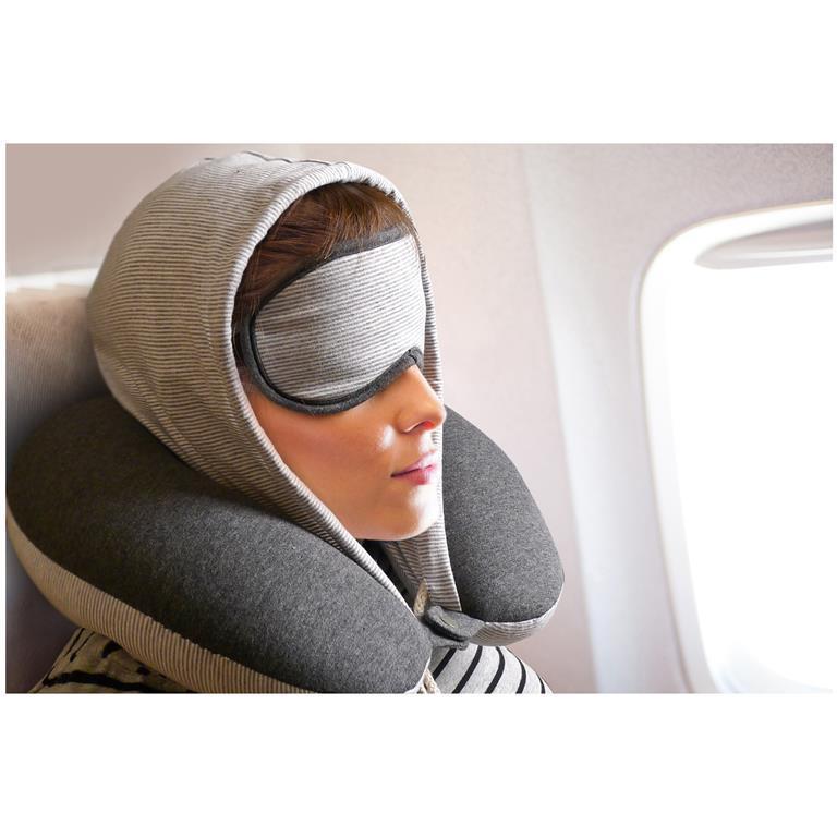 49870a25d4 Morfeo. Cuscino da viaggio con cappuccio e maschera. Bianco ...