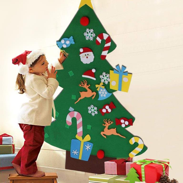 Addobbi Natalizi In Feltro.Albero Di Natale Per Bambini In Feltro Da Parete Con 26 Addobbi Natalizi 110cm Bakaji Casa E Cucina Ibs