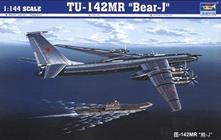 Tu-142 MR Bear-j Aircraft 1:144 Plastic Model Kit RIPTR 03905